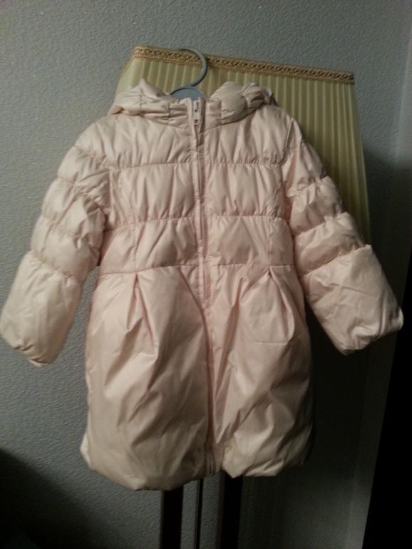 Пуховое пальто GAP р-р 4 years цвет молочный - 2000 руб.
