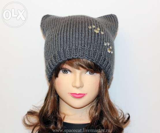Связать молодёжную шапку кошку спицами