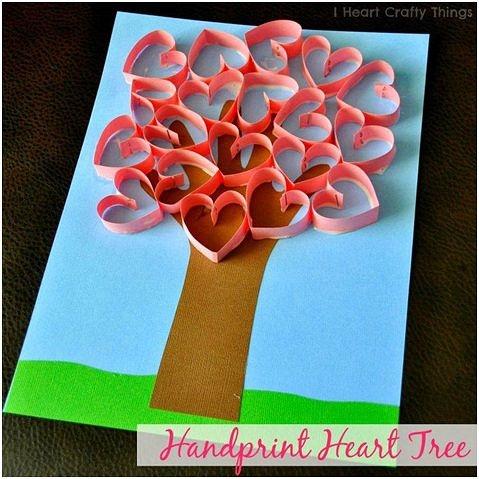 Открытка с деревом из сердечек