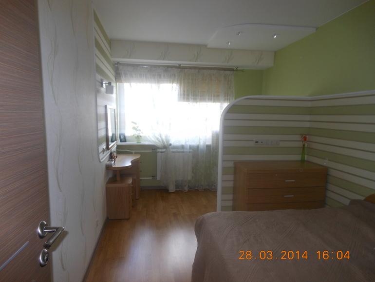 Наша спальня с рабочем местом.