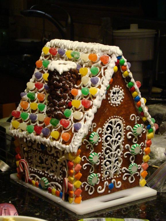 Сахарное печенье и пряничный домик.