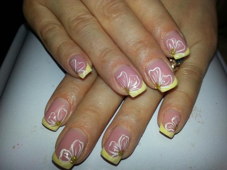 Наращиванию ногтей в гольяново