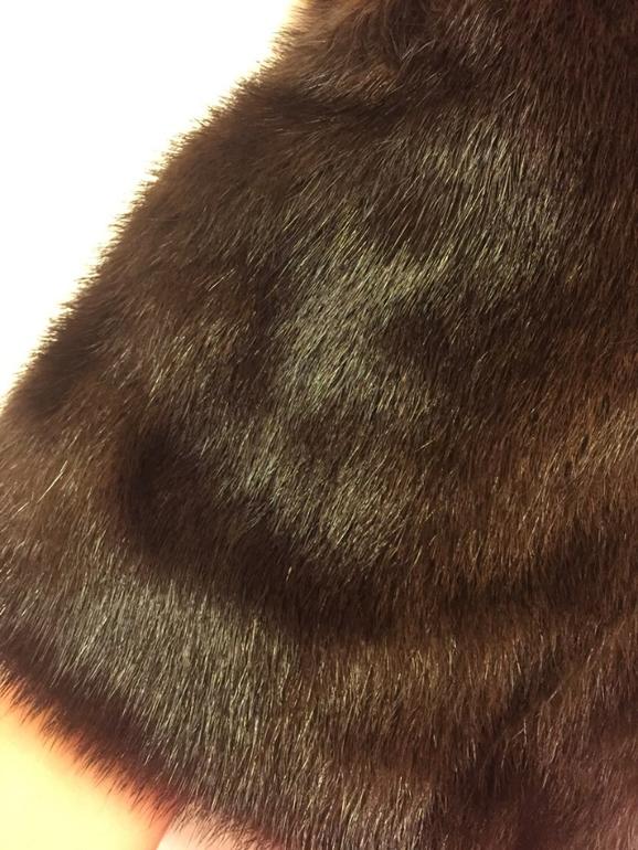 Красивая норковая шуба с капюшоном,в отл состоянии