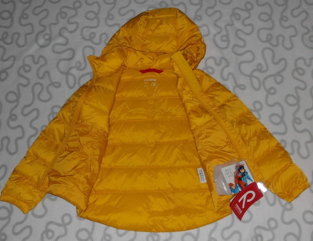 Новая утепленная куртка (пуховик) Reima, 122 см