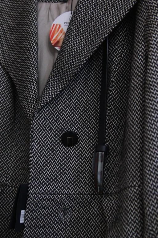 Пальто демисезонное 46