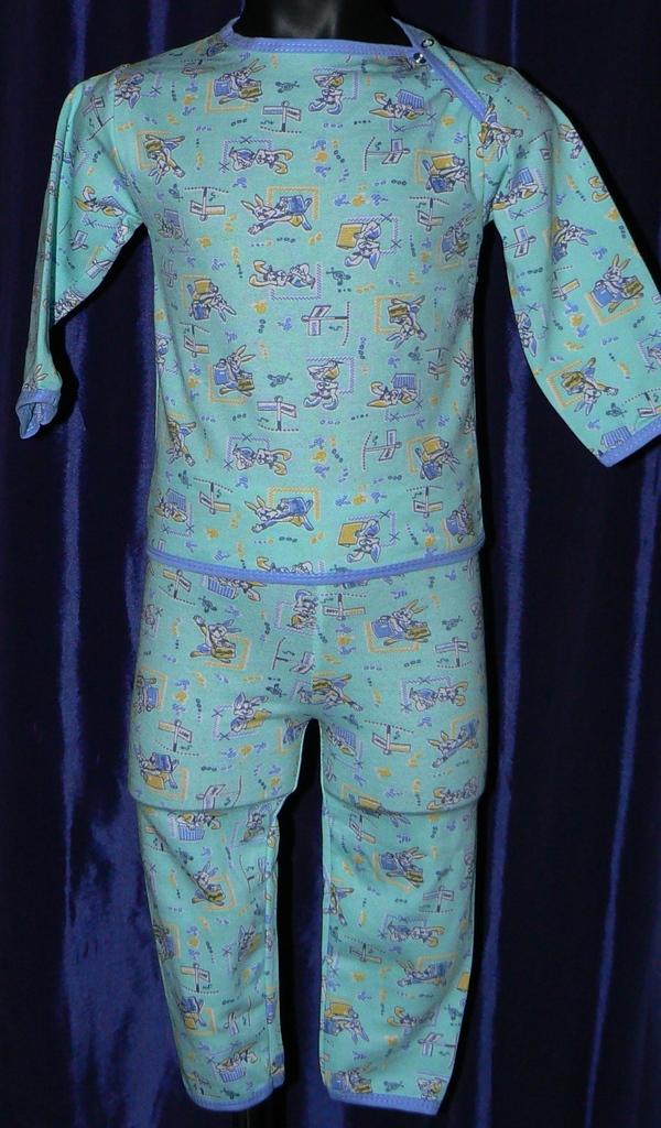 Две новые пижамы на байке р.74/80