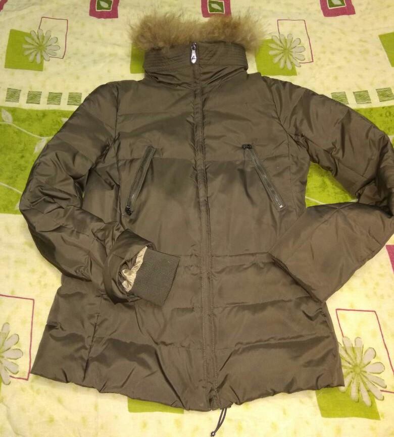 Куртка пуховик с натуральным мехом фирмы zolla