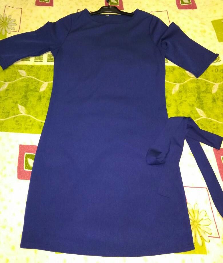 Платье с поясом р 40-42, новое цвет тёмно-синий