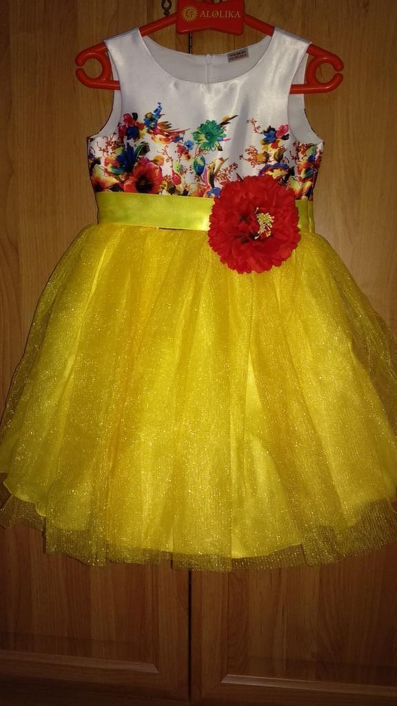Эффектное платье, размер 110
