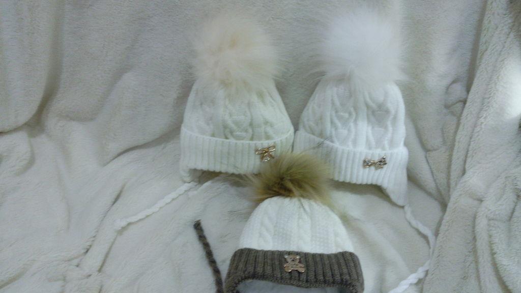 шапочки с меховым помпоном от 0месяцев до годика