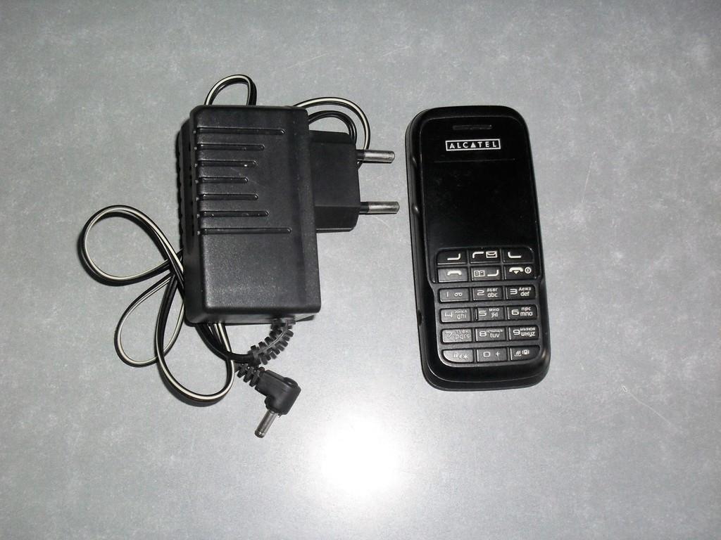 Мобильный телефон Alcatel OT-E207