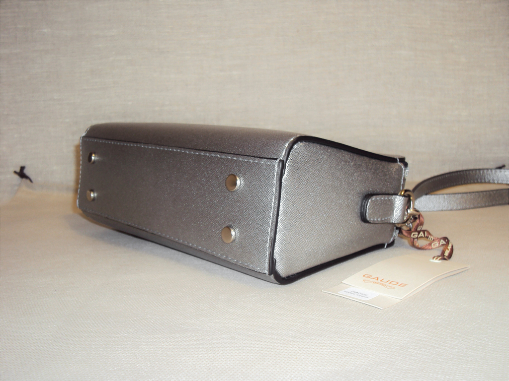 Новая кожаная сумочка кроссбоди Gaude Milano