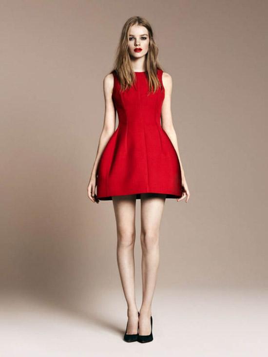 Платье Zara белое, короткое, на выход