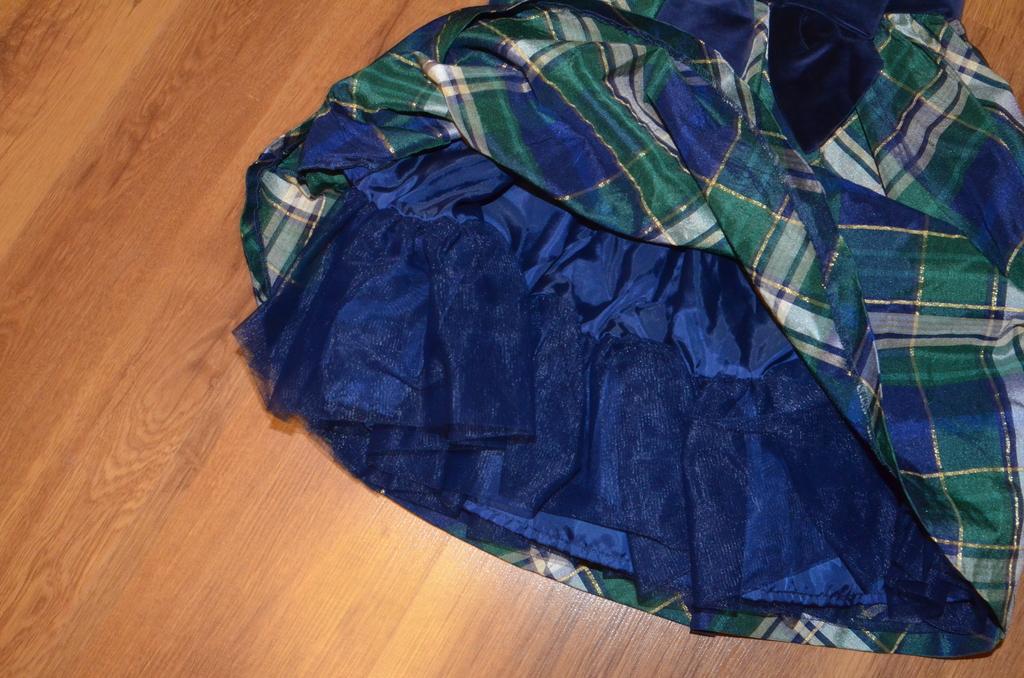 Праздничное платье gymboree на 5-7 лет