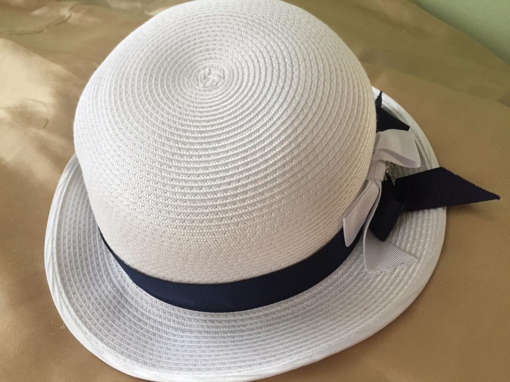 Шляпка Laura Biagiotti (Лаура Биаджотти) для настоящей леди!!!