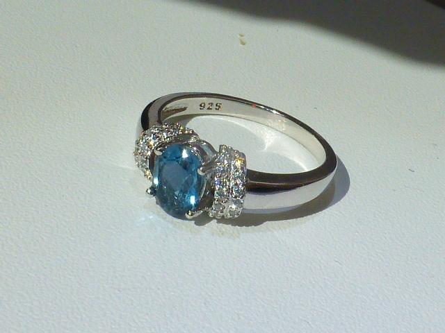 кольцо перстень серебро 925* с топазом и цирконами