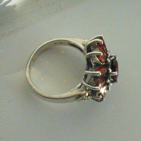кольцо перстень серебро 925* с гранатами