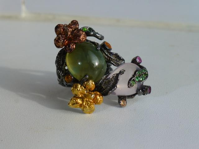 перстень серебро с пренитом и роз.кварцем