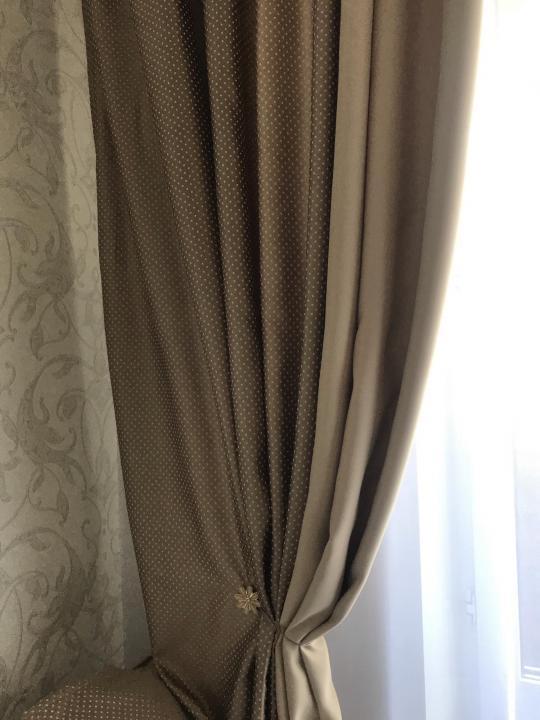 Новые, готовые шторы.