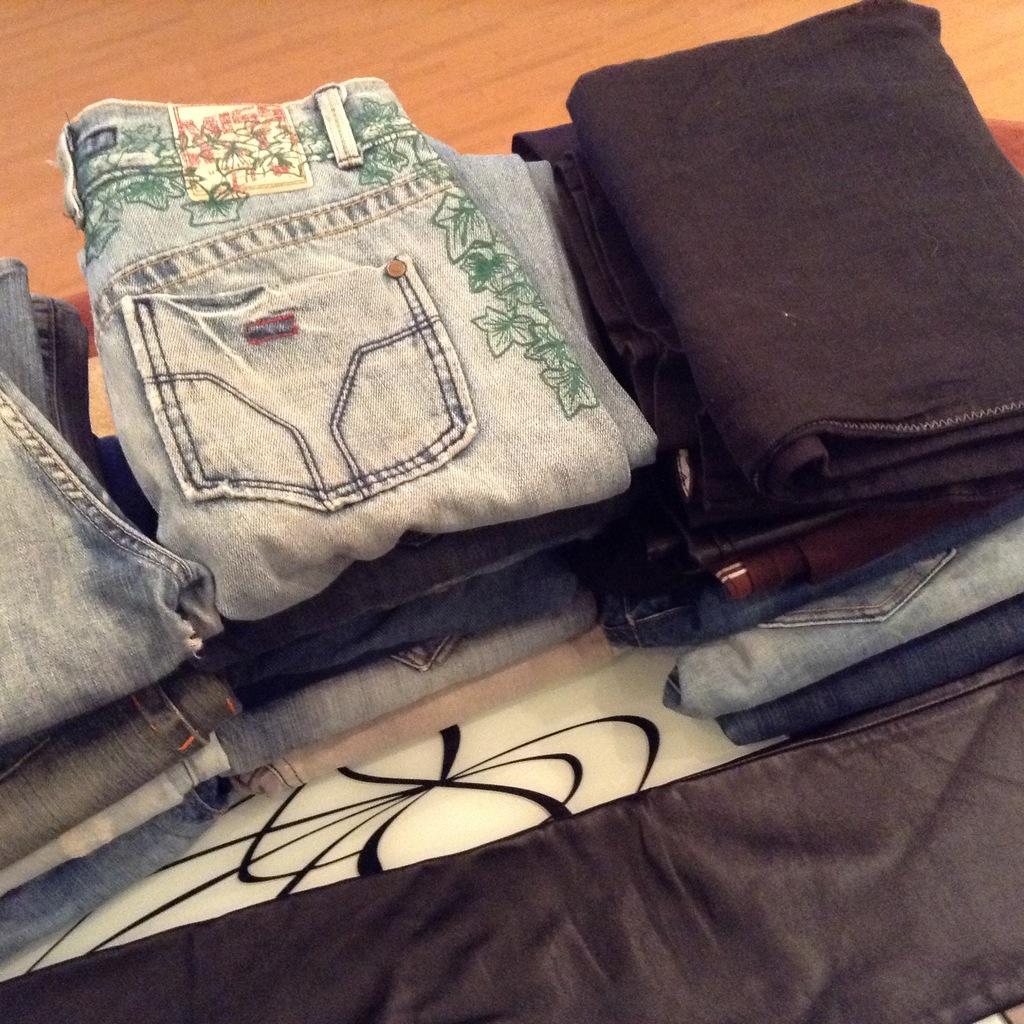 Джинсы, брюки, кожа р.26,27,28