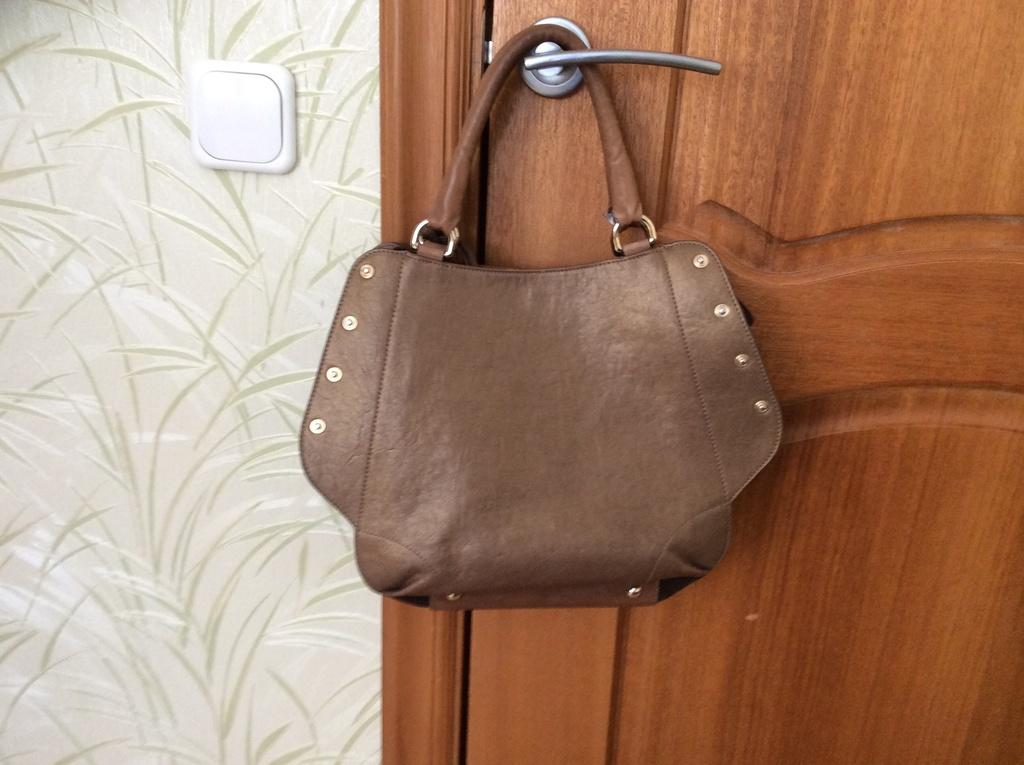 Женская сумка из натуральной кожи и замши Furla Club BLM4