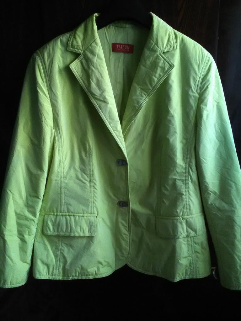 Куртка жакет на тонком утеплителе и на замках