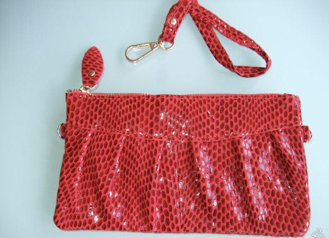 Женский кожаный кошелек клатч красного цвета