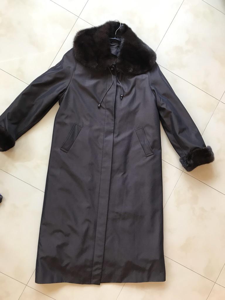Пальто с норкой на меху (б/у) в отличном состоянии