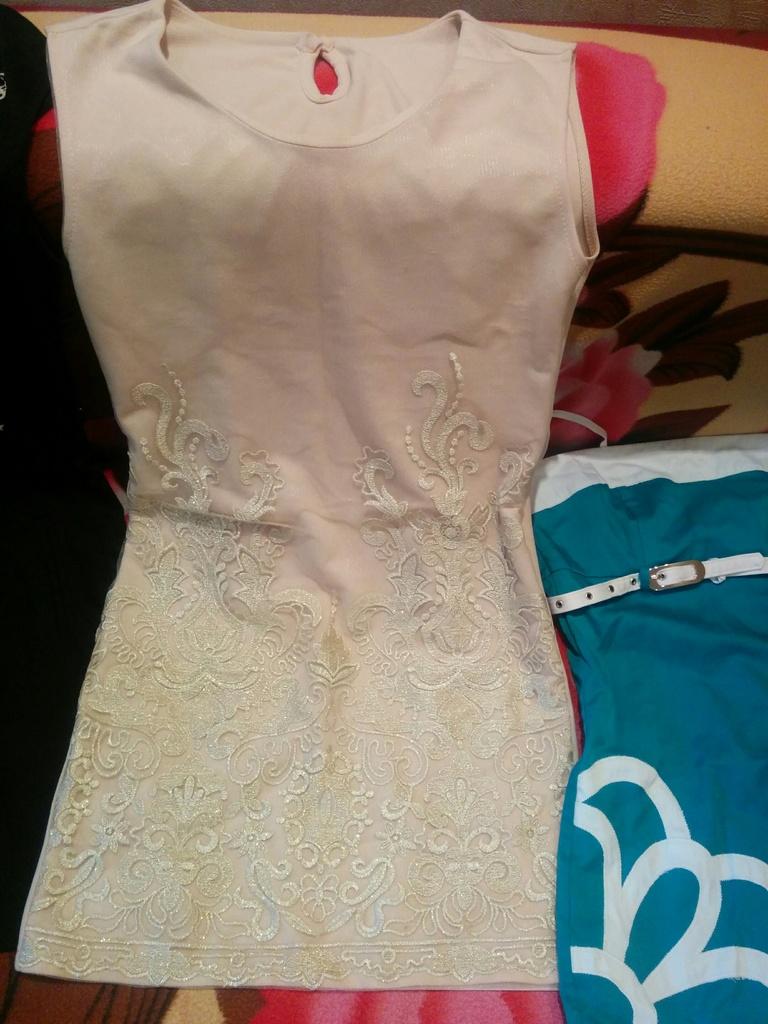 Пакет платьев 42 р-р