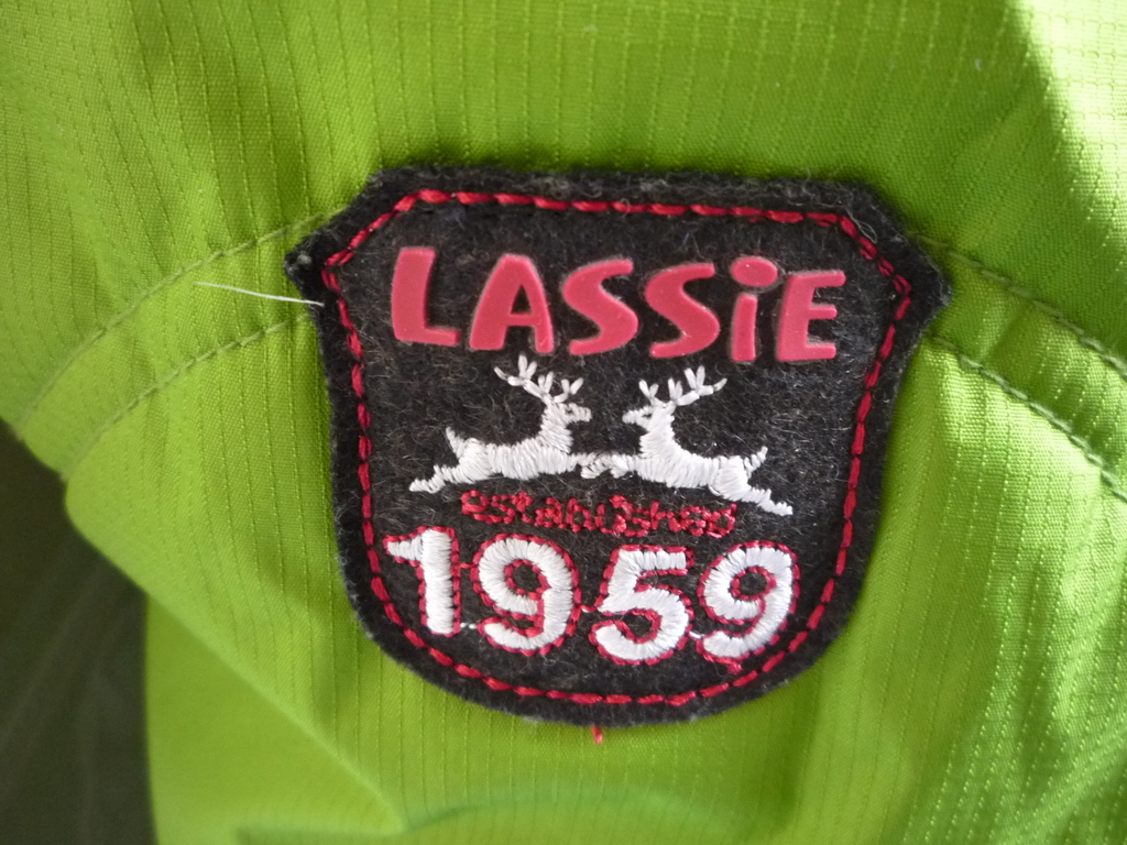 Комплект LASSIE зимний новый р 140 + для девочки