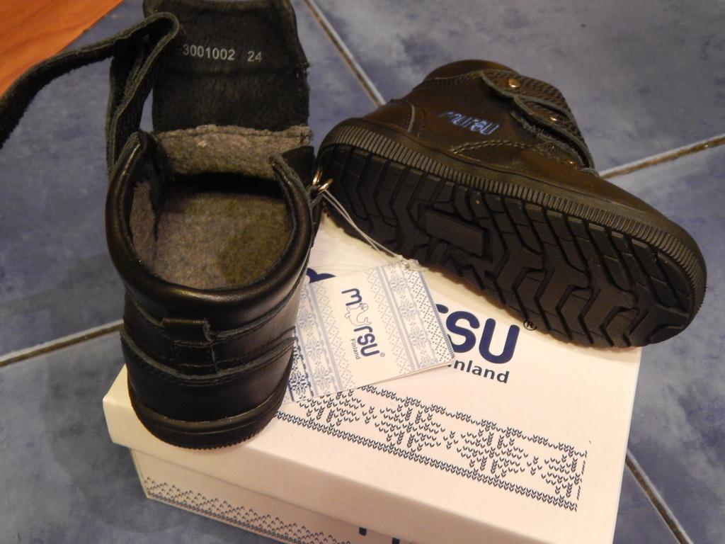 Новые кожаные утепленные ботиночки Mursu р.21,22