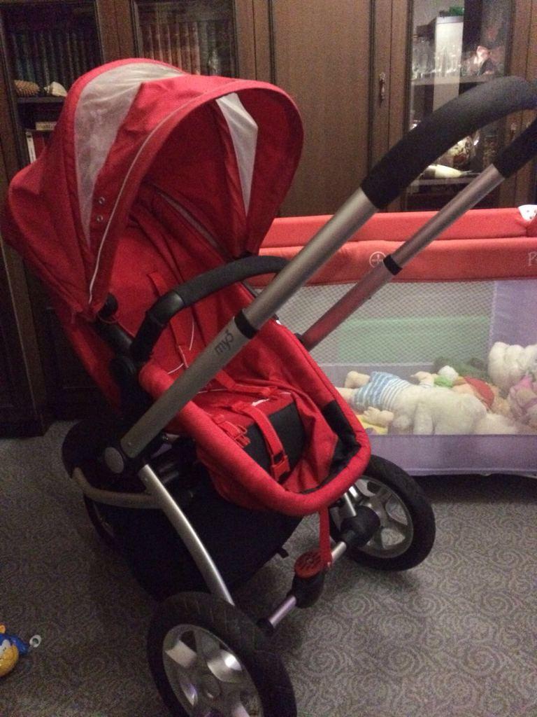 Продаётся коляска Mothercare