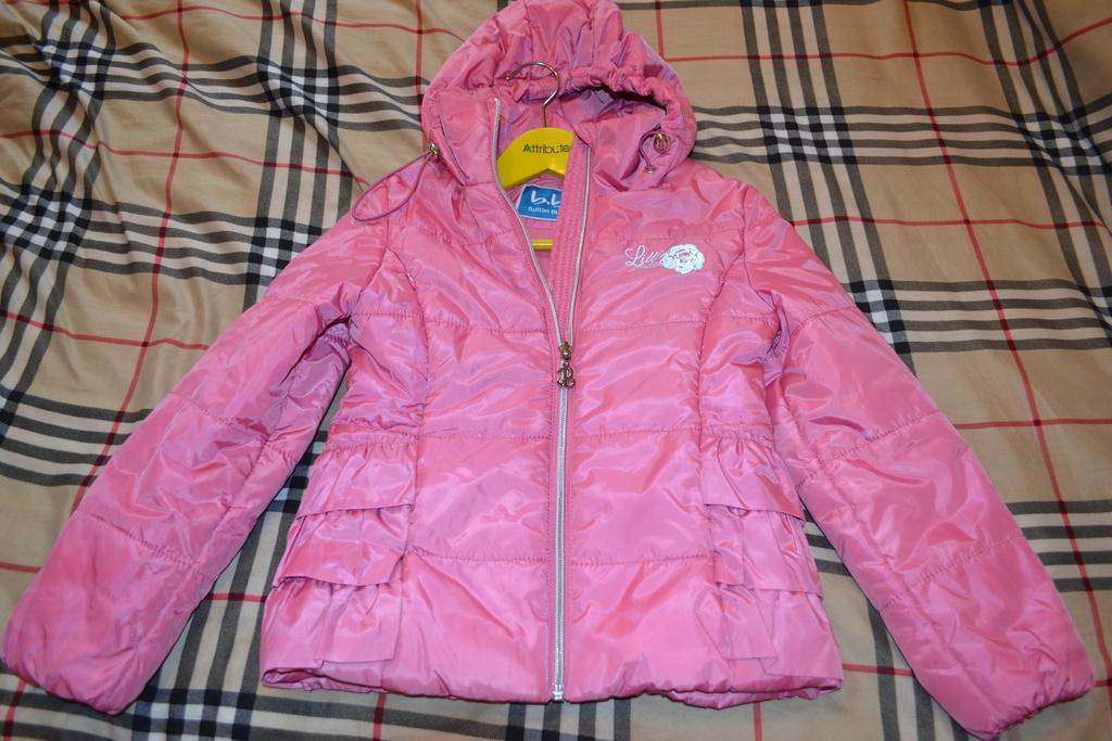 Курточка Button Blue на девочку 6-7 лет, осень-вес