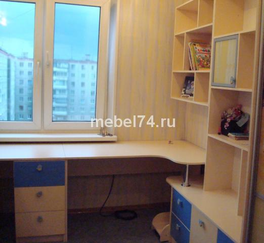 Письменный стол в детской для двоих детей - запись пользоват.