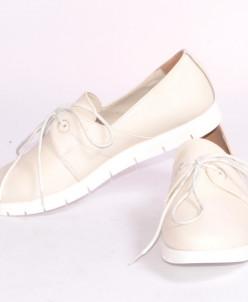 Женские кожаные туфли на шнуровке