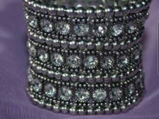 Браслет новый на резинке металл под серебро белое золото стразы сваровски камни Swarovski размер средний 44 46 М бижутерия украшения аксессуары женские бренд