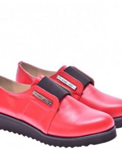 Женские кожаные туфли с декором