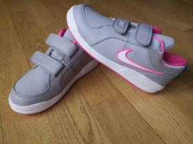 Кроссовки Nike р.34.
