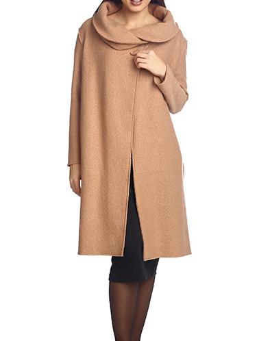 Пальто с расходящимися полочками