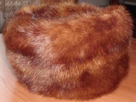 Шапка натуральный мех норка коричневая - р.57