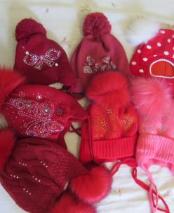 шапочки в бордовом зима