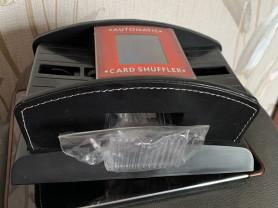 Шафл-машинка для игральных карт.
