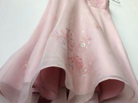 шелковое платье на девочку 3-5 лет, рост 104.