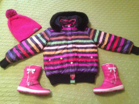 Комплект на девочку ( куртка-сапожки и шапка)