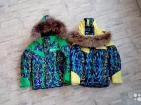 Зимние куртки новые р104-110 для двойни