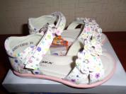 Новые сандалии для девочки