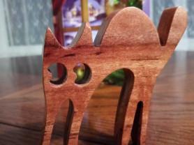 Кошечка (подарок, красное дерево)