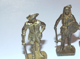 Киндер сюрприз солдатики металлические
