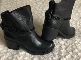 Крутые женские ботиночки р.39