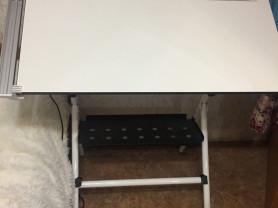 чертёжный стол и рейсшина